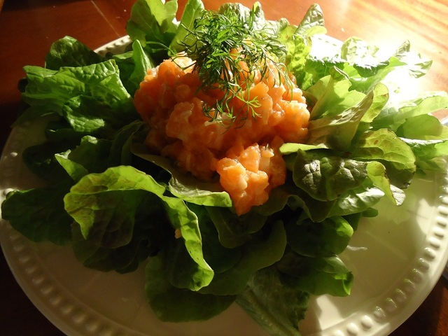 salad-with-salmon-tartar